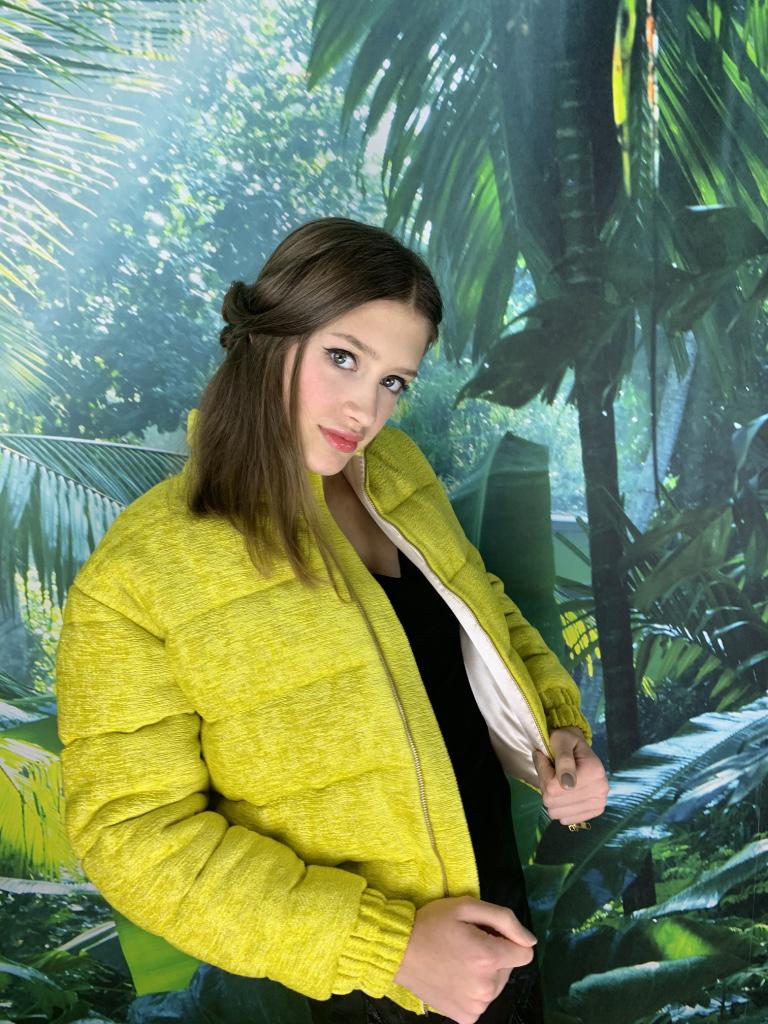 http://violettefinet.fr/wp-content/uploads/2020/01/blouson-jaune.jpg